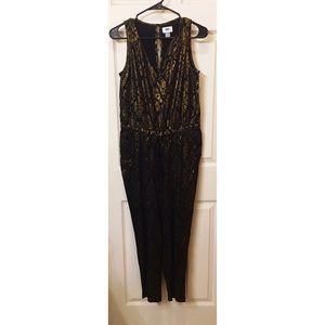 918a4d439607 Old Navy Pants - Gold   Black Sleeveless Jumpsuit